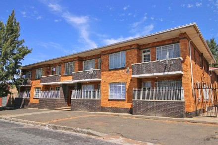 R 4,680,000 -  Flat For Sale in Germiston South