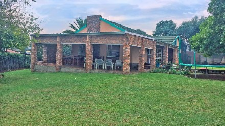 R 1,100,000 - 3 Bed Home For Sale in Illiondale