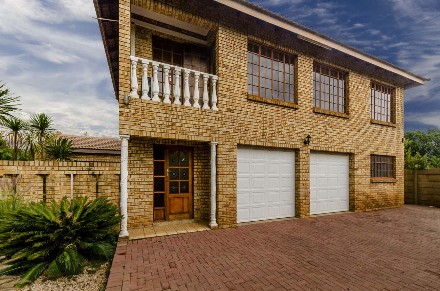 R 1,225,000 - 3 Bed House For Sale in Meyerton