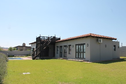 On Auction - 4 Bed Home On Auction in Vaal Marina