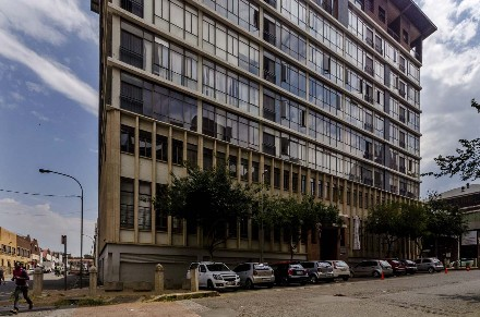 On Auction - 2 Bed Flat On Auction in Newtown