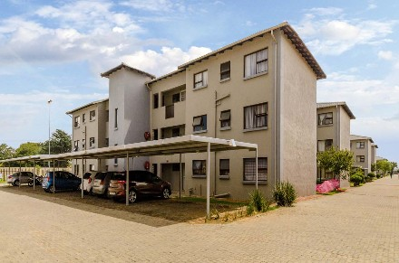 R 515,000 - 2 Bed Flat For Sale in Boksburg
