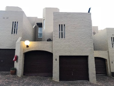 R 2,200,000 - 3 Bed House For Sale in Victory Park
