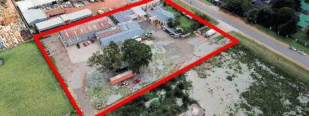 On Auction -  Commercial Property On Auction in Bredell