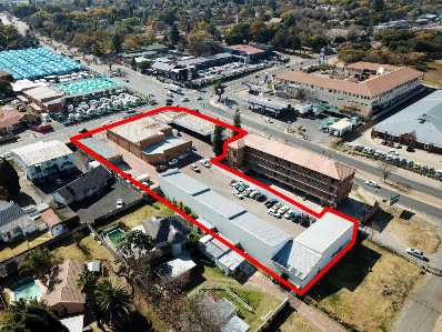 On Auction -  Commercial Property On Auction in Fontainebleau