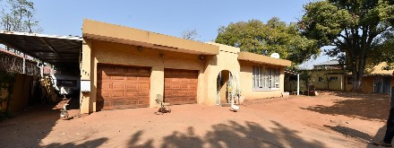 On Auction -  Property On Auction in Arcadia