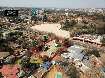 On Auction -  Commercial Property On Auction in Clubview