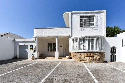 On Auction -  Property On Auction in Parkhurst