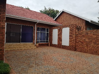 On Auction -  Commercial Property On Auction in Centurion