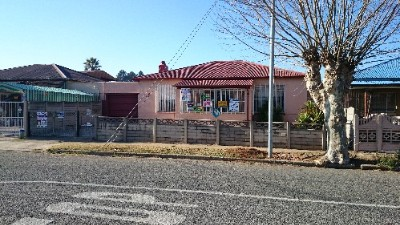 On Auction - 3 Bedroom, 1 Bathroom  House On Auction in Geduld