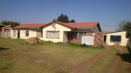 On Auction - 3 Bedroom Property On Auction in Witbank