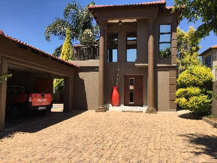 On Auction -  Property On Auction in Willowbrook