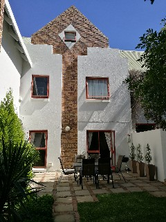 On Auction - 2 Bed Property On Auction in Witkoppen