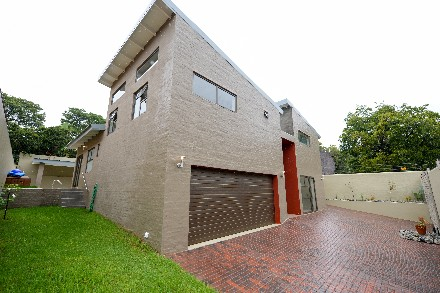 On Auction - 4 Bed Property On Auction in Edenburg