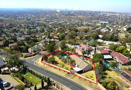 On Auction - 3 Bed Property On Auction in Northcliff