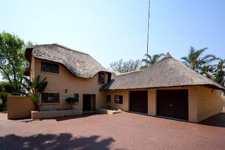 On Auction - 3 Bed Property On Auction in Magaliessig