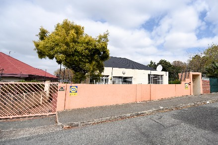 On Auction - 2 Bed House On Auction in Malvern