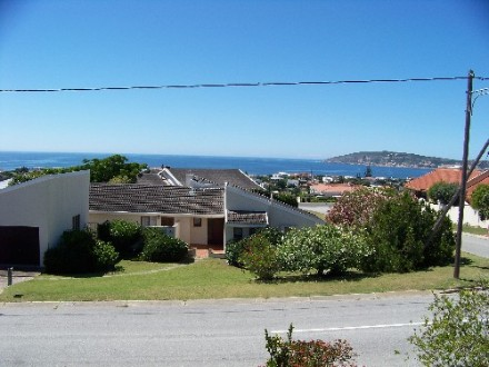 R 1,850,000 - 3 Bedroom, 3 Bathroom  House For Sale in Plettenberg Bay