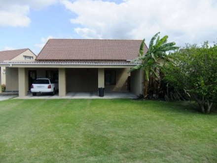 R 1,300,000 - 3 Bedroom, 2 Bathroom  House For Sale in Plettenberg Bay