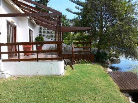 Marina Da Gama Property - This immaculate north facing waterfront townhouse is situated in a much sought after position with stunning lake and mountain view...