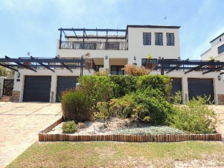 Atlantic Beach Estate Property - Timeless Property overlooking the estate, fairways and sea