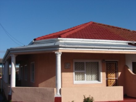 Wynberg Property - Good investment  - Great rental  - Currently tenanted with rental income R4850 pm 