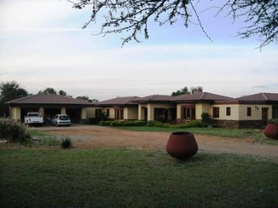 Leeuwfontein Property - 3 Bedrooms Plot measuring 470m2