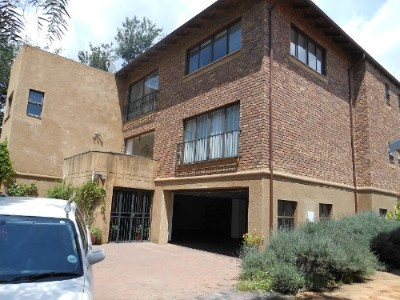 On Auction - 4 Bedroom, 3 Bathroom  House On Auction in Ferndale, Randburg