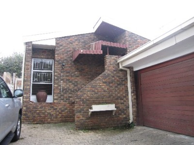 On Auction - 3 Bedroom, 2 Bathroom  Property On Auction in Northcliff