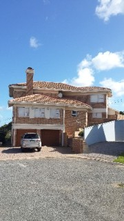 On Auction - 5 Bedroom, 5 Bathroom  Property On Auction in Jongensfontein, Riversdale