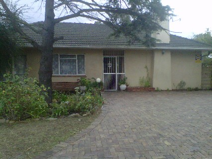 On Auction - 3 Bedroom, 1 Bathroom  House On Auction in Bellville