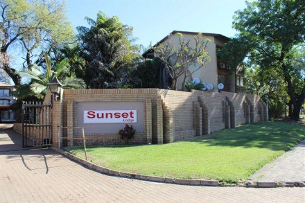 On Auction - 2 Bedroom, 1 Bathroom  Property On Auction in Phalaborwa