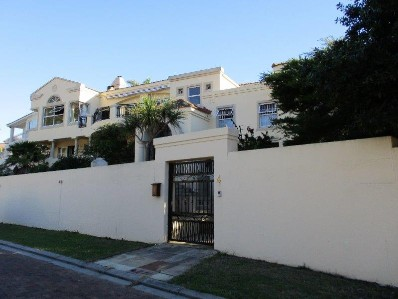 On Auction - 5 Bed Home On Auction in Hout Bay