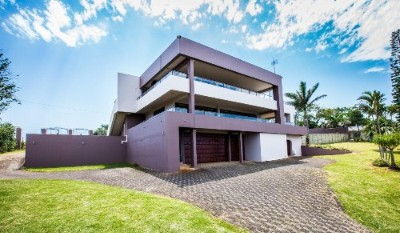 On Auction - 5 Bedroom, 6 Bathroom  Home On Auction in Ramsgate, Uvongo