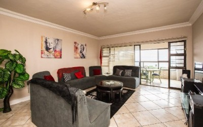On Auction - 3 Bedroom, 2 Bathroom  Flat On Auction in Ramsgate, Uvongo
