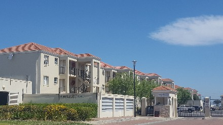 On Auction - 2 Bed Flat On Auction in Heritage Park