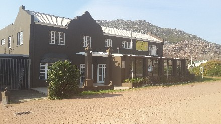 On Auction - 3 Bed Commercial Property On Auction in Rooiels