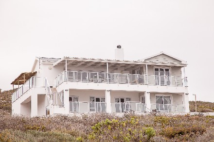 On Auction - 5 Bed House On Auction in Yzerfontein