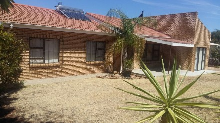 On Auction - 4 Bed Home On Auction in Vanrhynsdorp