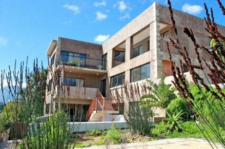 On Auction - 4 Bed House On Auction in Mountainside Estate