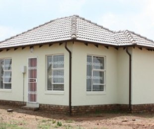 R 474,000 - 2 Bed Home For Sale in The Orchards