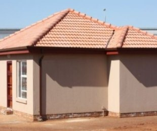 R 480,000 - 2 Bed House For Sale in Protea Glen