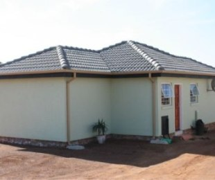 R 575,000 - 2 Bed House For Sale in Kirkney