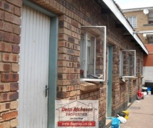 R 1,600,000 - 13 Bed Home For Sale in Jeppestown