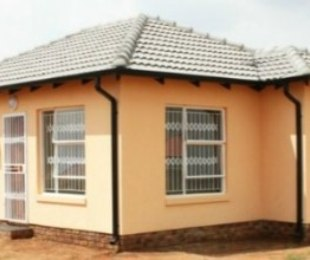 R 482,000 - 2 Bed Property For Sale in Kirkney