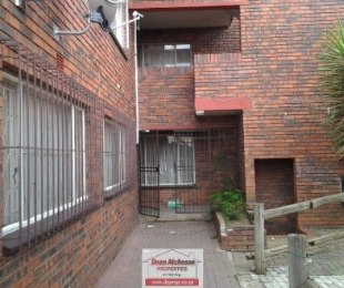 R 360,000 - 2 Bed Flat For Sale in Turffontein