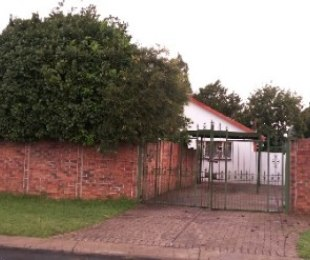 R 720,000 - 3 Bed Property For Sale in Tulisa Park