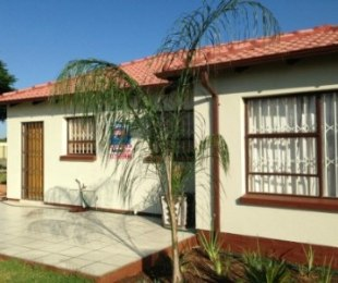 R 549,000 - 2 Bed House For Sale in Atteridgeville