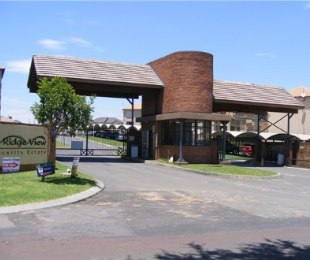 R 710,000 - 2 Bed Apartment For Sale in Reyno Ridge
