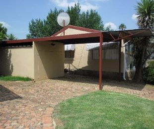 R 695,000 - 3 Bed Home For Sale in Vaal Marina